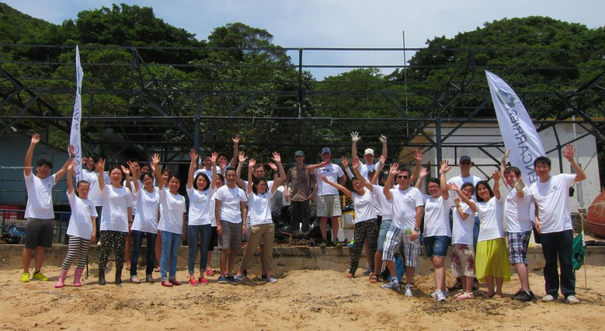 Beach cleaning day in Hong Kong – a win-win project