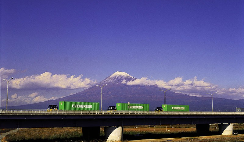 Inland haulage by rail and road for heavy containers