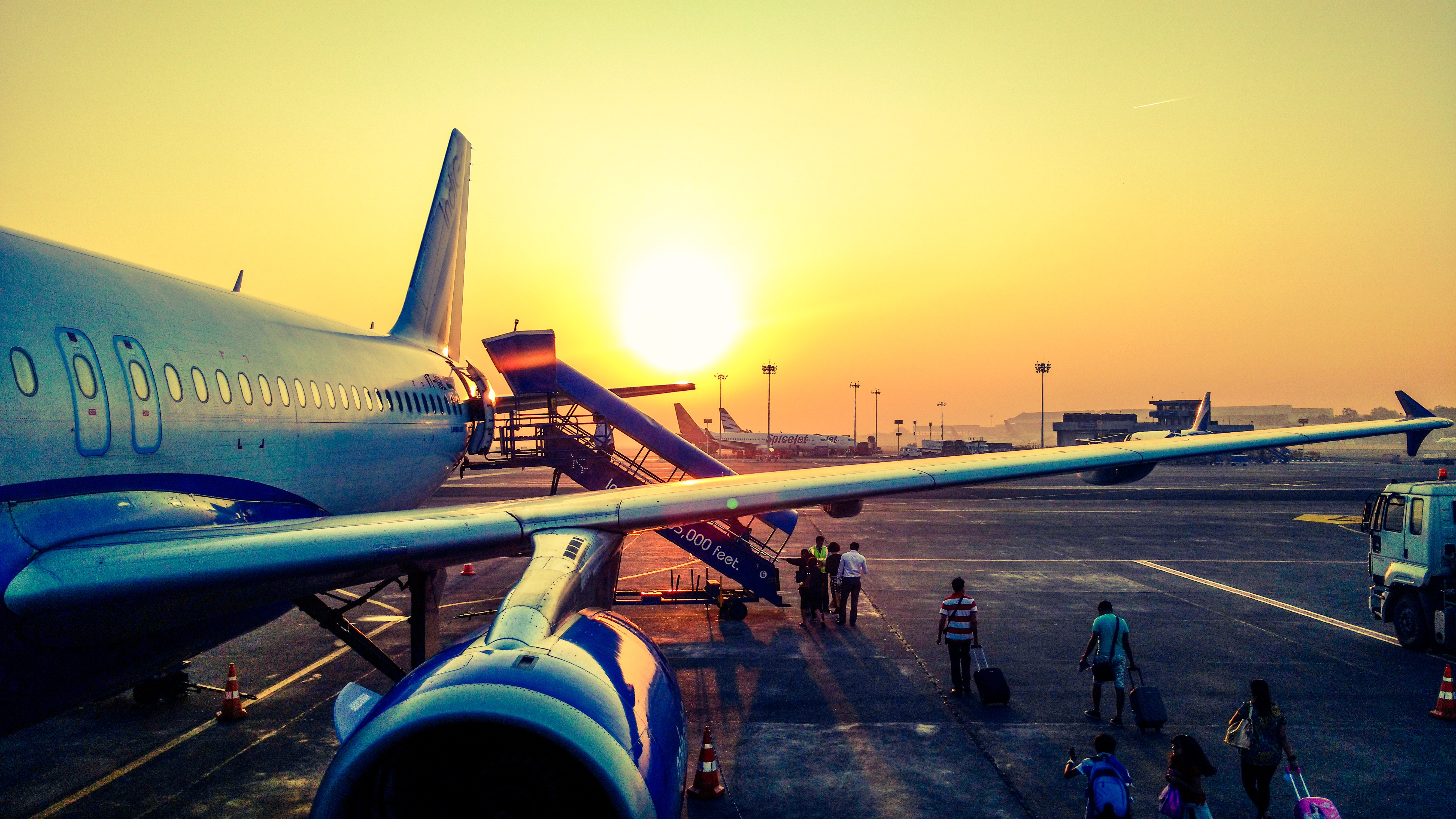 Top 6 Benefits Of Air Freight The Greencarrier Blog