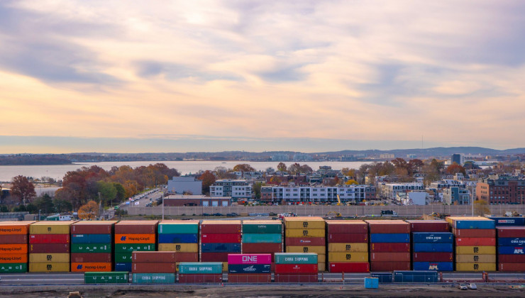 How to pick the right shipping container