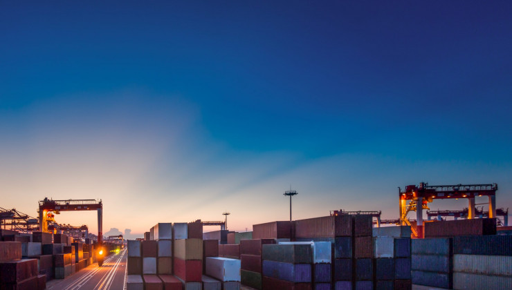 Improved cargo flow by outsourcing logistics activities